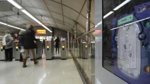 Desfibrilador en el metro