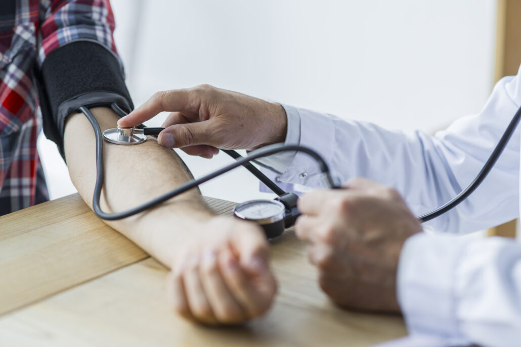 paro cardiaco y presion sanguinea